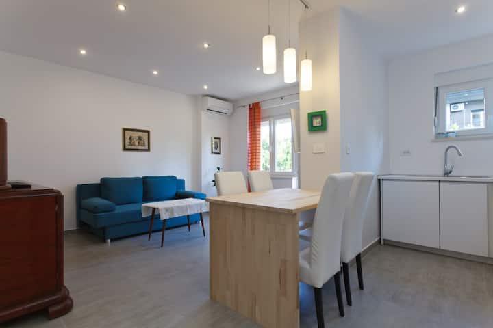 Bacvice beach apartment****