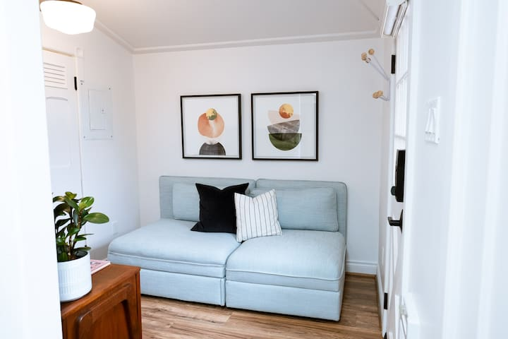 Living room (couch converts to twin bed)