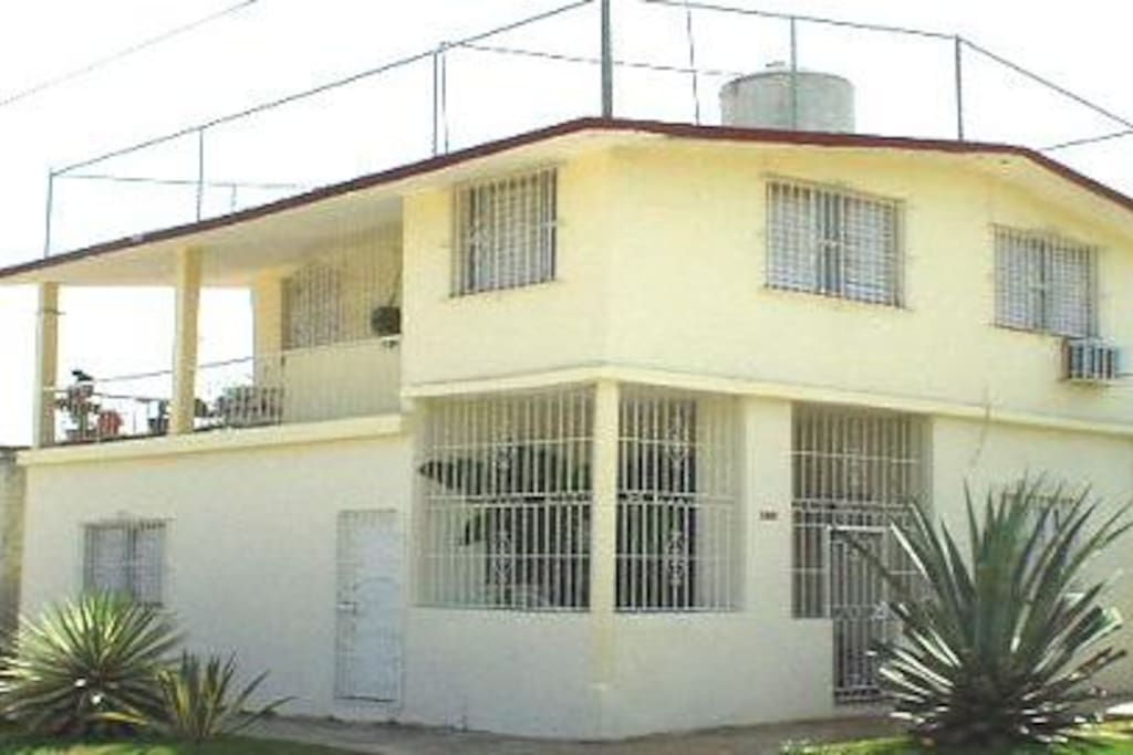 Villa llerena casa de renta casas en alquiler en playa la habana cuba - Casas para alquilar en la playa ...