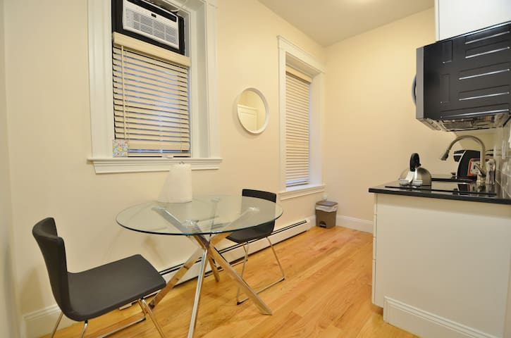 Studio in the heart of Boston! Furnished!