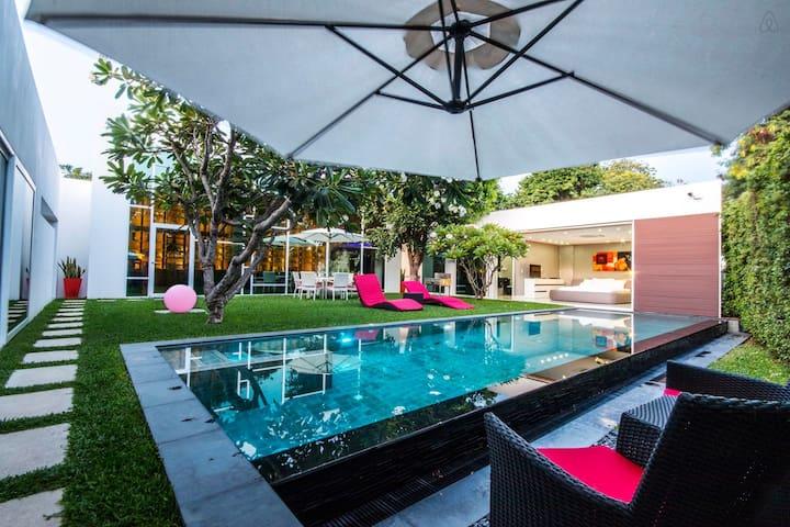 Stunning 3 Bedroom Villa in the Heart of Pattaya - Tambon Choeng Thale - Apartamento