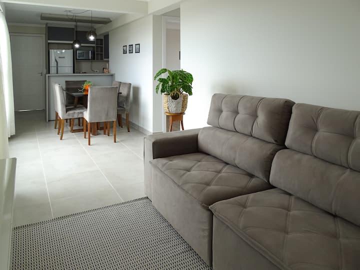 Novo e espaçoso apartamento no Tingui