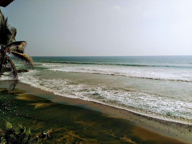 Casa Hermosa en Fraccionamiento cerca de la playa!