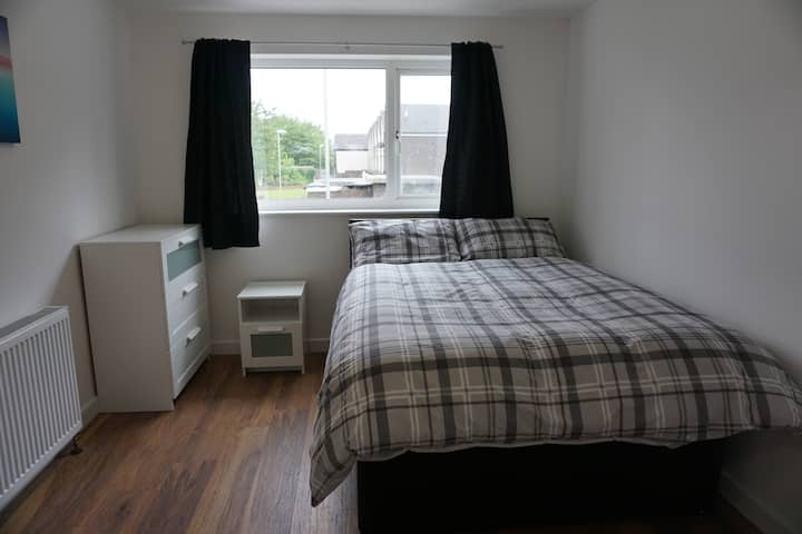 4 Bed House, Leeds - Private Bedroom2