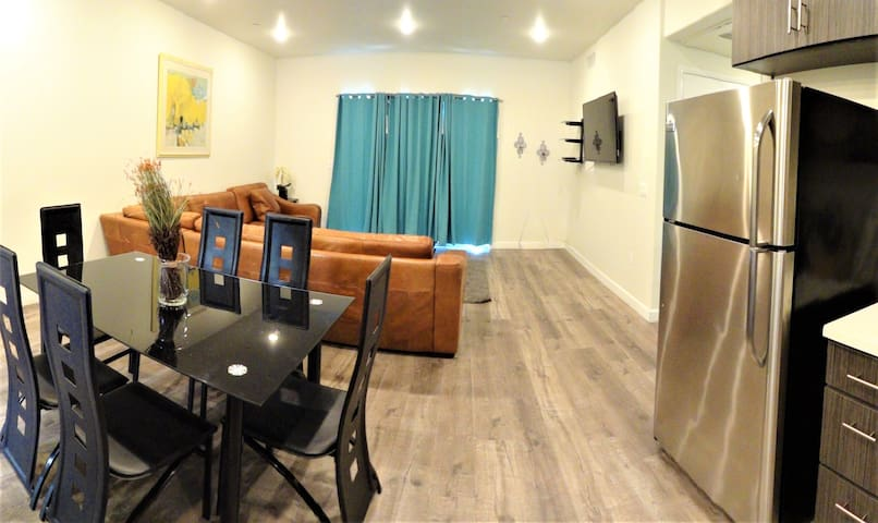 2 Bd/2 Bth Apt W/ Huge Balcony and BBQ