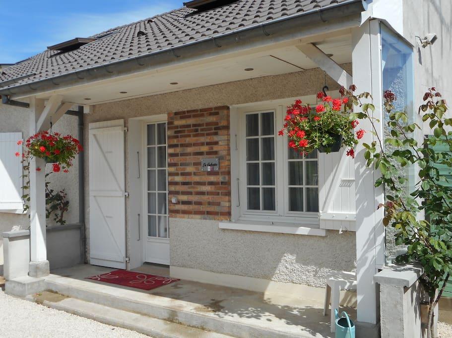 la cabotte beaune maison paisible maisons louer beaune bourgogne france. Black Bedroom Furniture Sets. Home Design Ideas