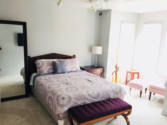 1 BEDROOM ROW HOUSE+PARKING NEAR U STREET*