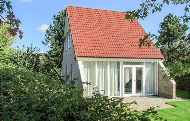 Holiday cottage with 3 bedrooms on 90m² in Vlagtwedde