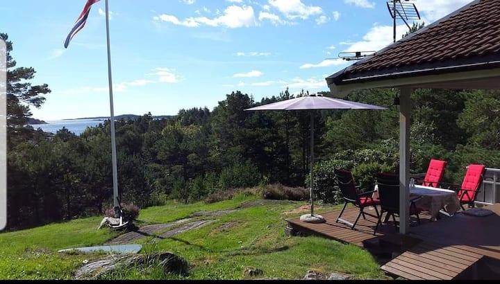 Hytte med nydelig utsikt og usjenert beliggenhet