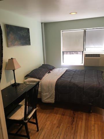 East Village, ground floor, clean private bedroom!