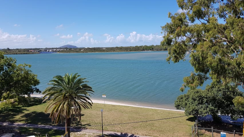 180 degree Maroochy Waterfront 2 Bedroom Apartment