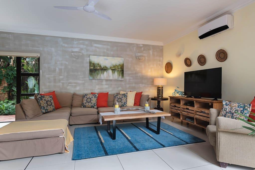Main lounge open plan