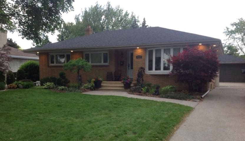 Covid Clean 2 bdrm Entire Lower Level/Pool