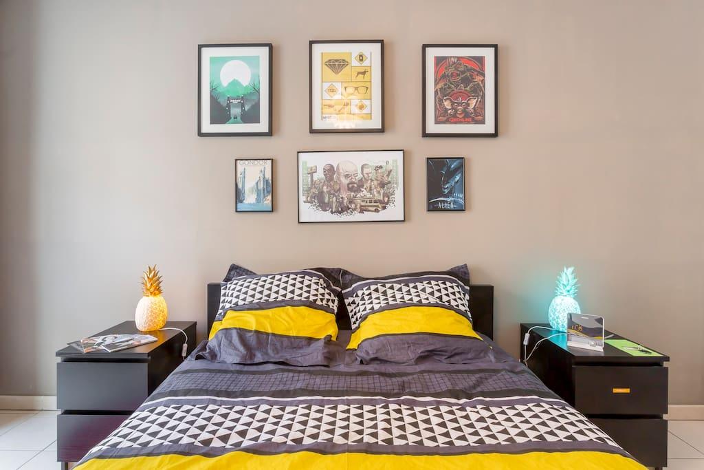 Votre chambre - Your bedroom