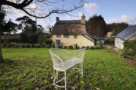 Rose Cottage & Hay Loft - sleeps 8 - Gileston  - Dom