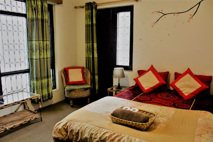 The room is big and spacious and very much homely environment. We provide very clean and healthy environment for a good sleep.