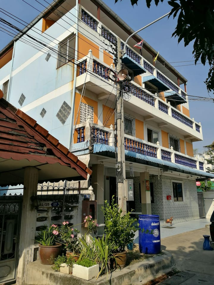 รังสิต-ปทุม10ซอย2 opposite Rangsit market