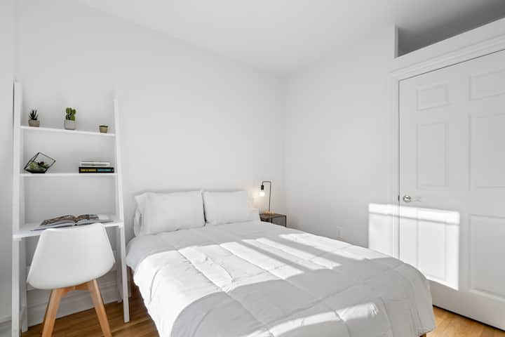 Beautiful Private ROOM in Trendy Greenpoint