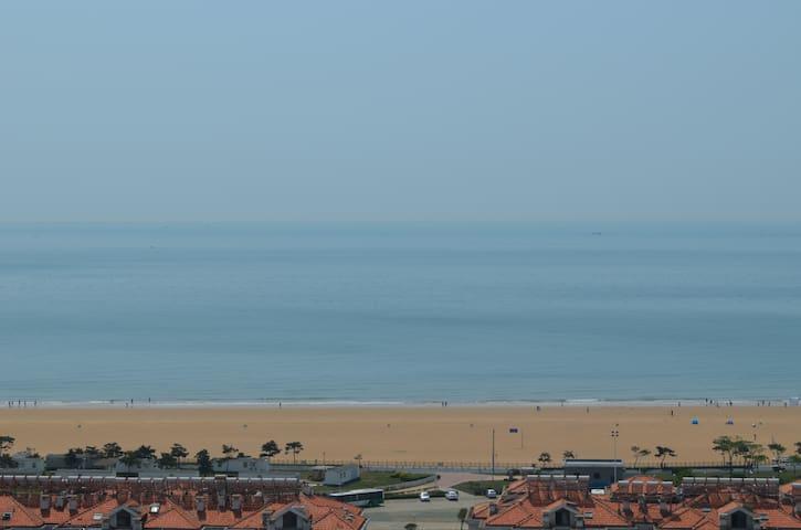 180度高档海景公寓两局大床房 - Qingdao - Apartment