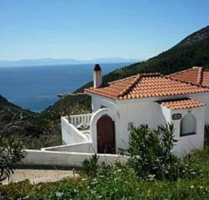 2 Bed Traditional Greek Villa with Seaviews