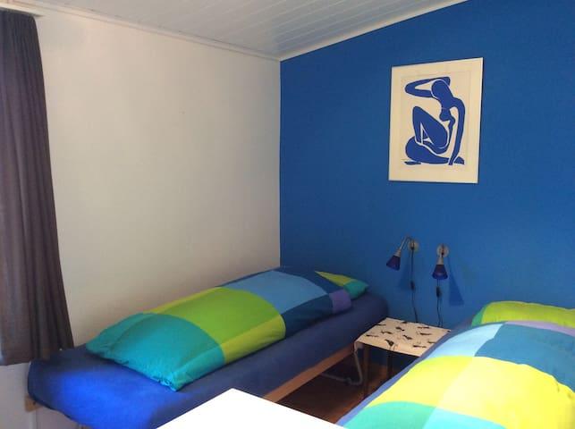 """Schlafzimmer """"blau"""" mit 2 Einzelbetten"""