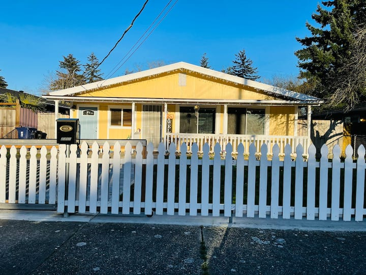 Charming gem in central tacoma✔️cozy and spacious