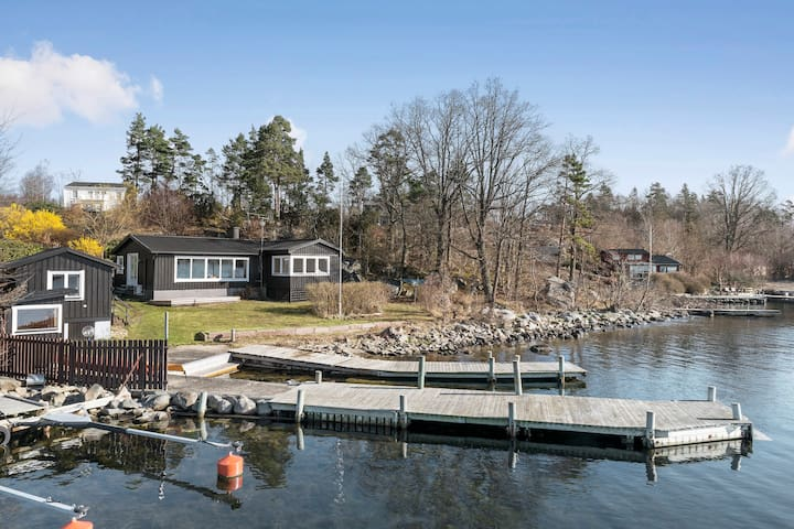 Lovely & luxurious cabin by the Sea - Karlshamn N