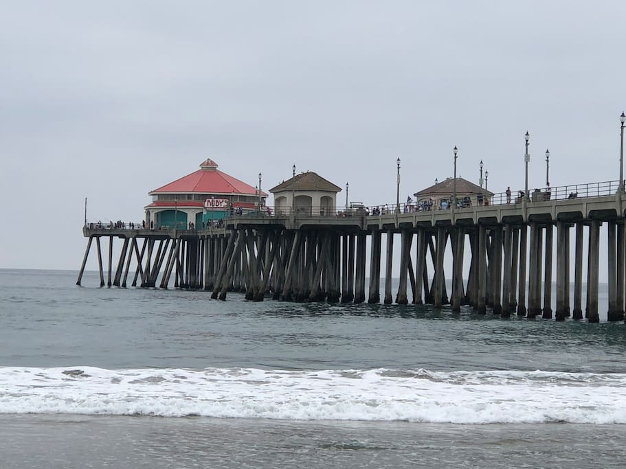 Short 5 minute drive to the iconic Huntington Beach Pier in Surf City