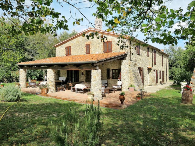 Apartment Agriturismo Colle Paoli for 4 persons