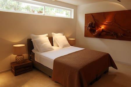 Suite Junior (Sea Views, Port) Mindelo - Bed & Breakfast