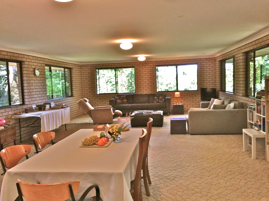 (NEW RENOVATION PHOTOS COMING) HUGE LIVING SPACE, 2 LOUNGES, 2 TABLES, DVD MOVIES ETC