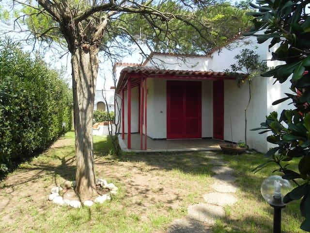 Villa con giardino Baia Domitia - Baia Felice - Villa