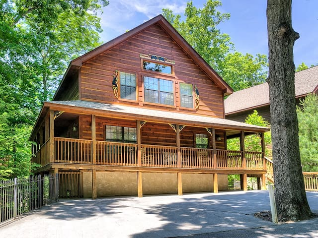 Beautiful Home!! 6bd/5ba Brookstone Lodge!! - Pigeon Forge - Rumah