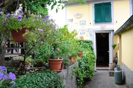 house near Cinque Terre