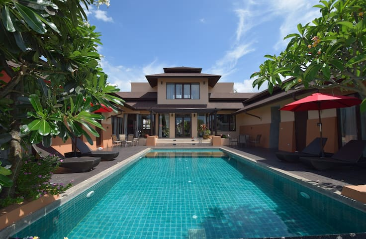 Baan Inthaphalam - Hua Hin - House