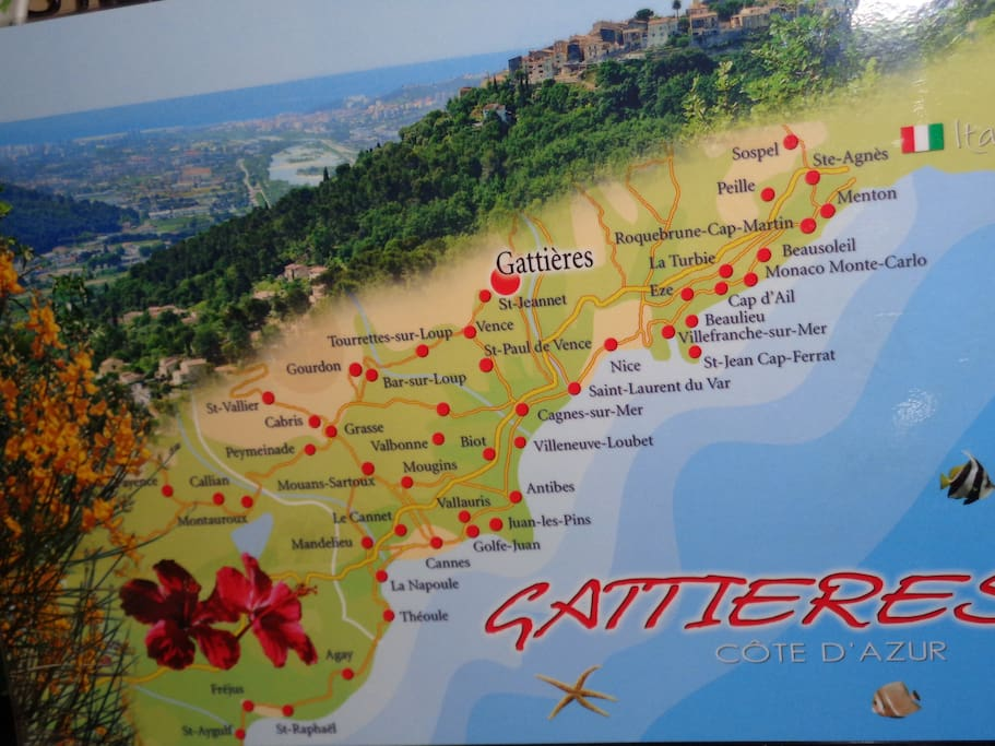 Great location, easy to everywhere! (Map courtesy EDITIONS PHOTOGUY).