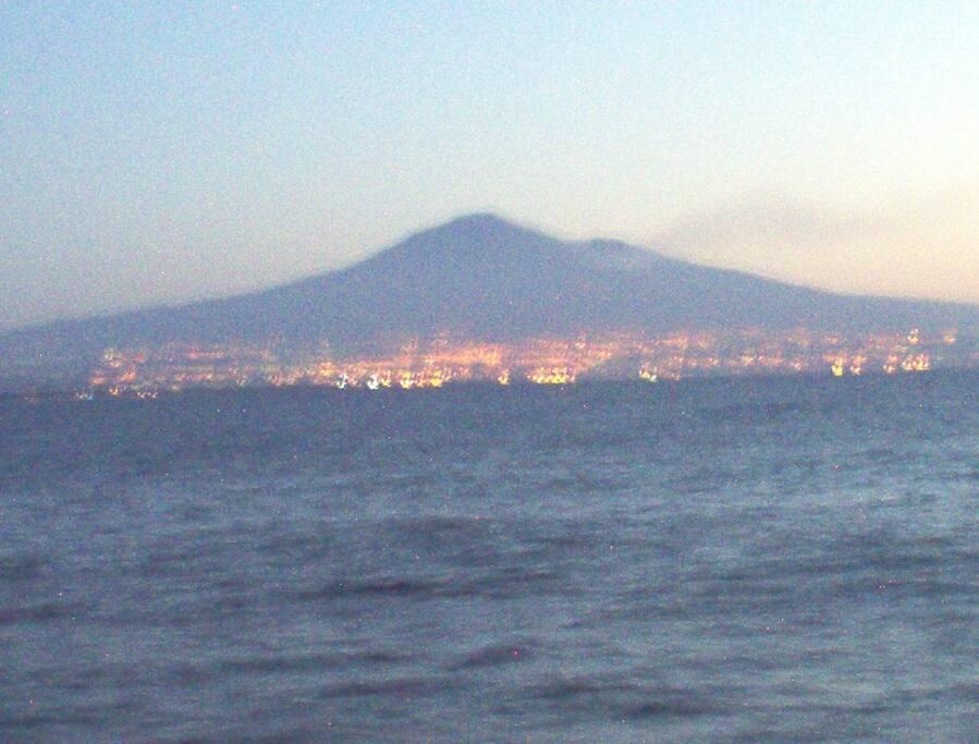 Vista dell'etna al tramonto