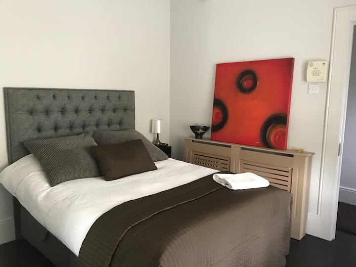 Business travel ideal city Cottage