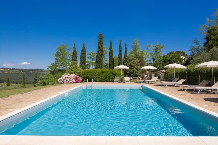 Charming farmhouse B&B rooms. - San Gimignano