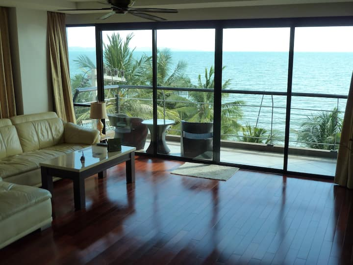 2BR 140sqm Beachfront Chauffeur Car Pool Sea View