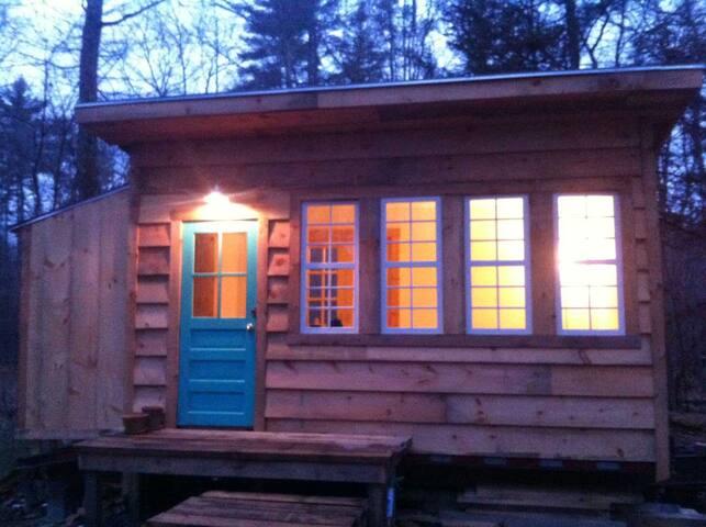 Saugerties Tiny House + Mini Farm - Saugerties - Ház