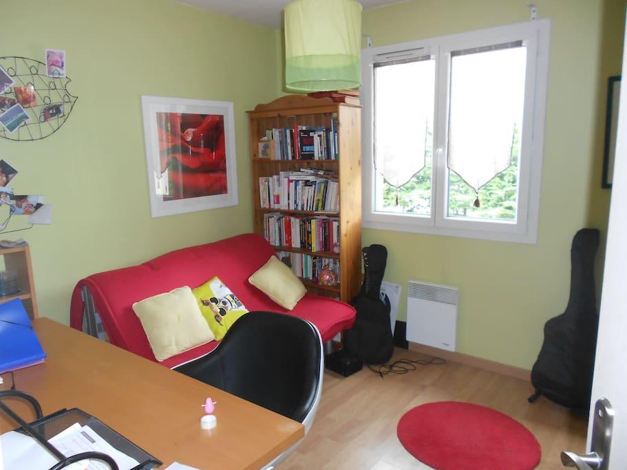 Chambre 10 m² avec canapé lit, TV, wi fi