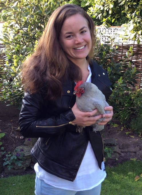 Super Airbnb Guest with Graysea the hen!