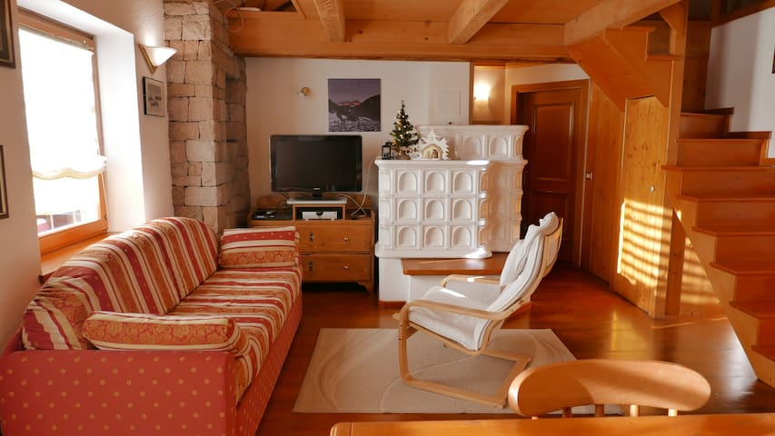 Tipica mansarda in montagna - Predazzo - Apartamento