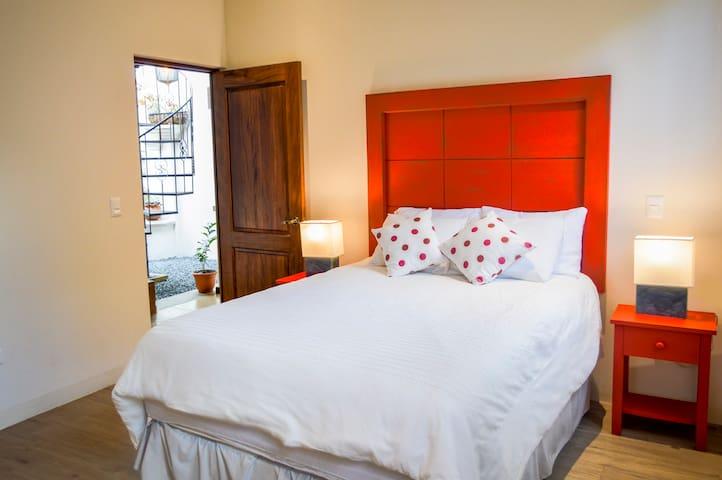 Casa Girasol | Red Room + Breakfast in Modern Home