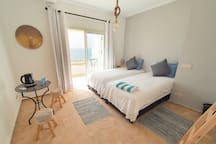 Large 2-person bedroom