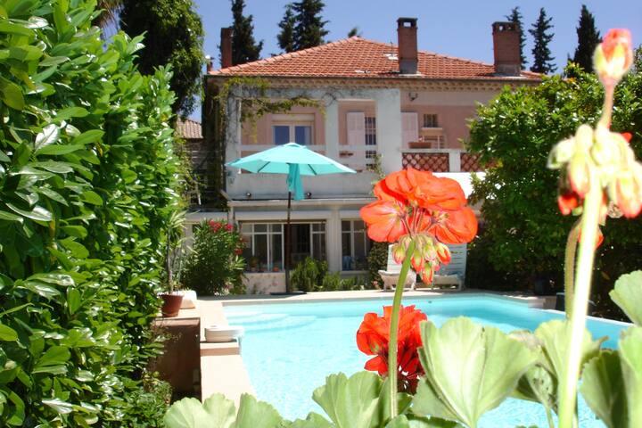 Villa centre ville à pied - Aix-en-Provence - Ev
