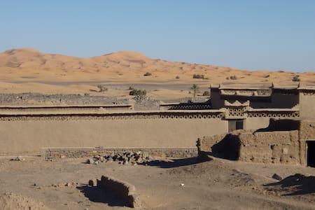 Maisons d'Hôtes  bord des dunes - Takojt - Dům v zemi