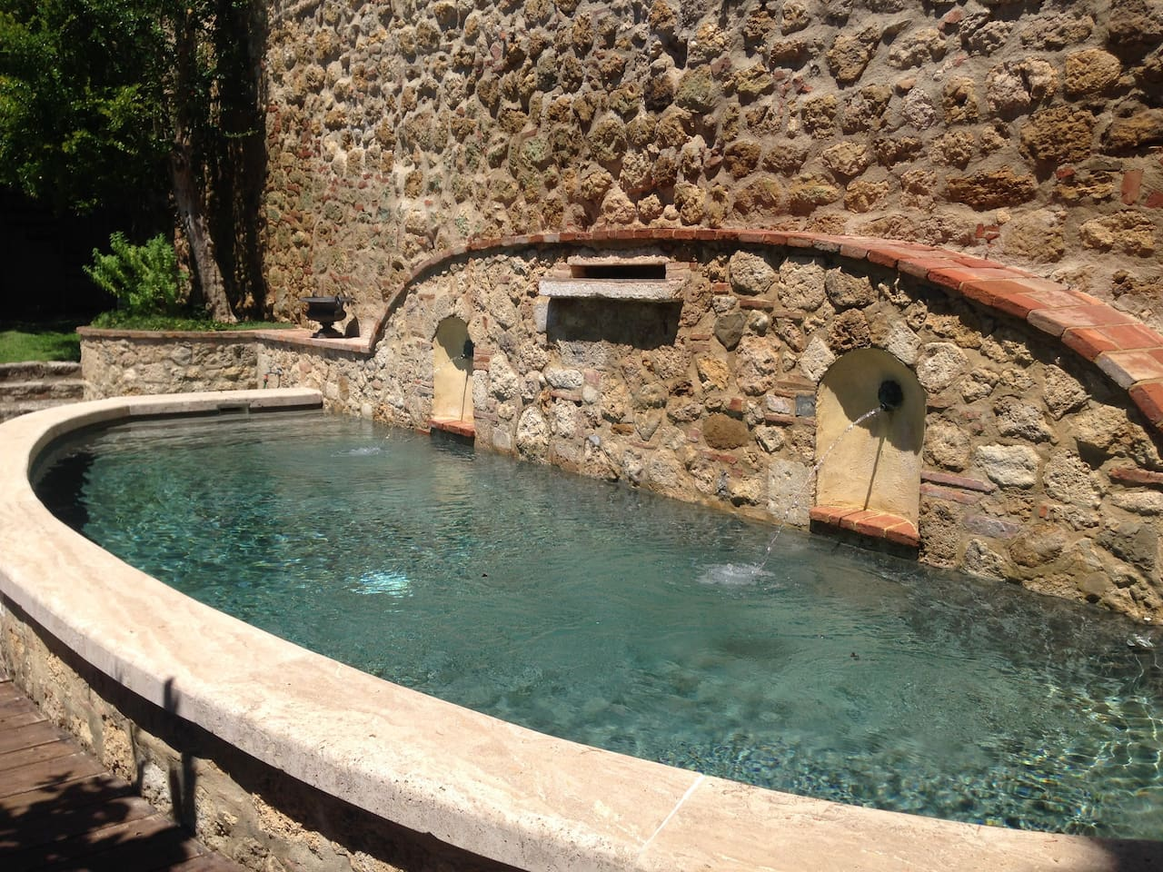 Cetona's Center: Garden, View, Pool
