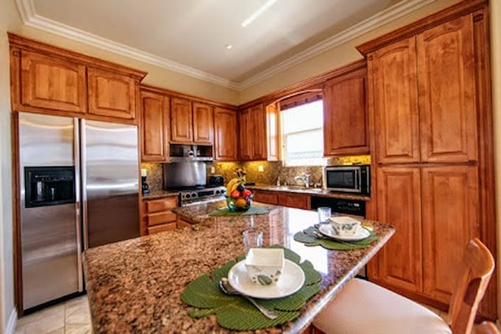 Sparkling clean kitchen with all your cooking needs. Just add food.